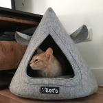 Cuccia a Cono in Feltro con Orecchie per Gatti e per Chihuahua
